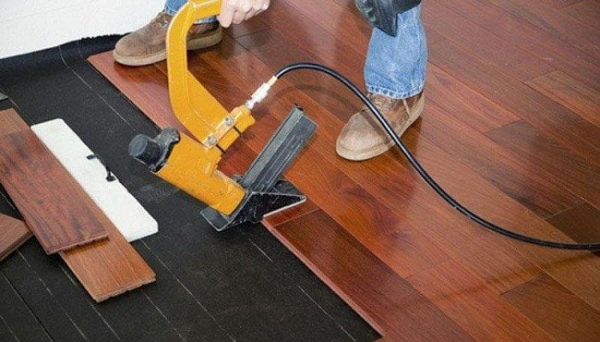 5 Best Flooring Nailers – Reviews & Buying Guide