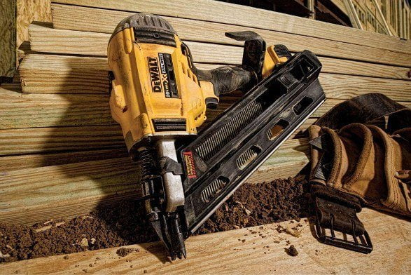 Dewalt DCN692M1 Review