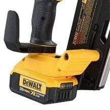dewalt dcn692m1 battery