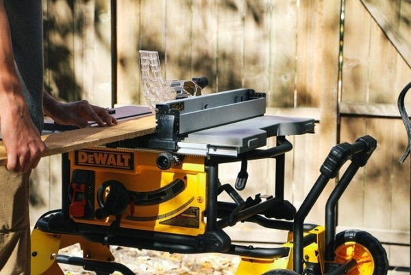 5 best portable table saw reviews for woodworkers Portable table saw reviews