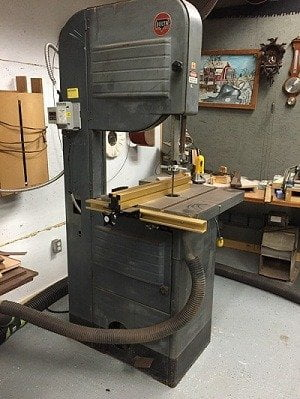 Floor standing band saw