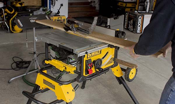 How to buy Portable Table Saw