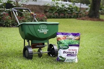 Best Fertlizer Spreaders Reviews