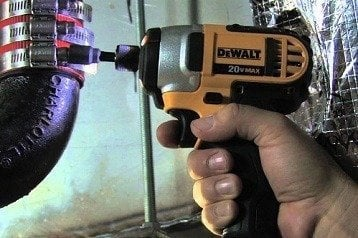Dewalt DCF885M2 Review