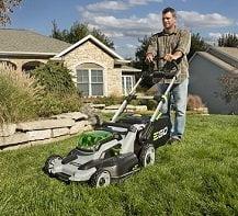 10 Best Self Propelled Lawn Mowers To Buy In 2018