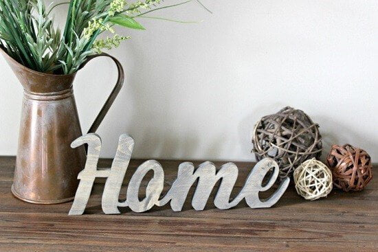 Lindi's DIY Rustic Home Sign