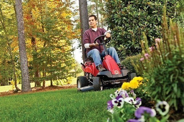 How to Buy a Lawn Mower for Steep Hill