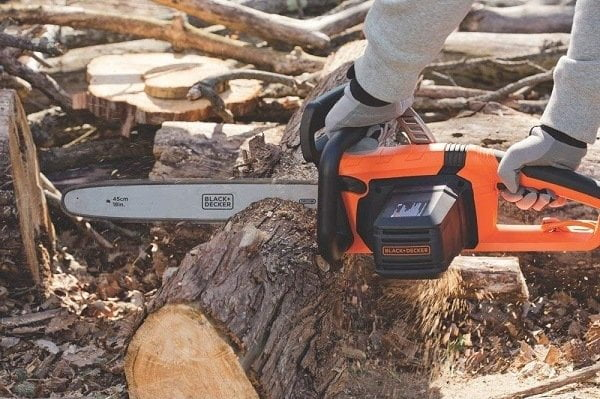 How to Buy the Best Electric Chainsaws