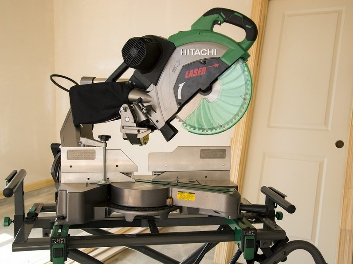 Hitachi C12RSH2 Review: The Best Sliding Miter Saw in the Market?